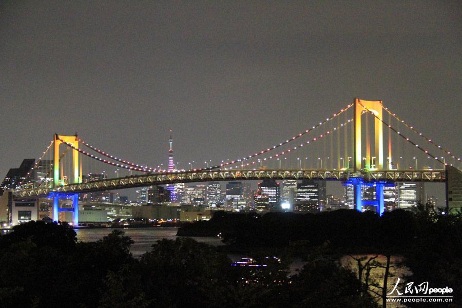 东京标志性建筑亮彩灯庆祝申奥成功