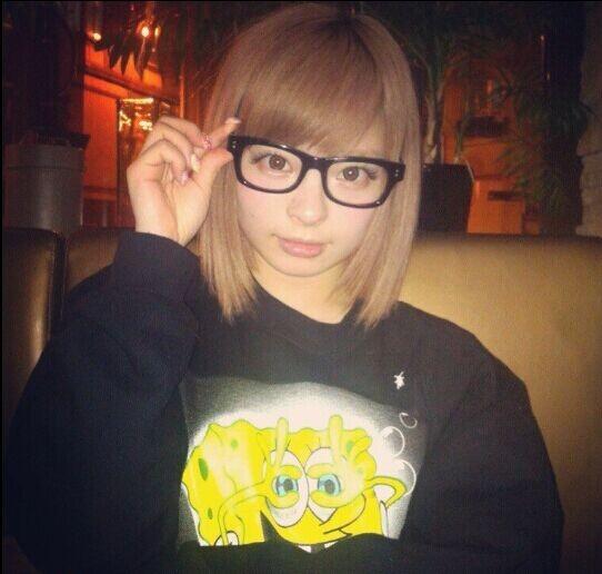 戴上眼镜会更可爱的日本女星:北川景子、绫濑