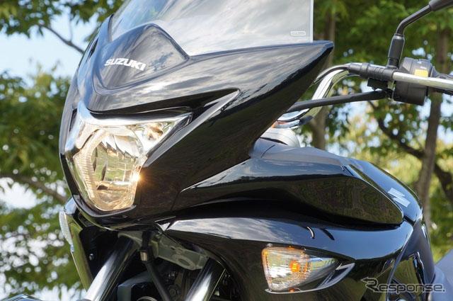 图解铃木运动型摩托车GSR250S的细节高清图片