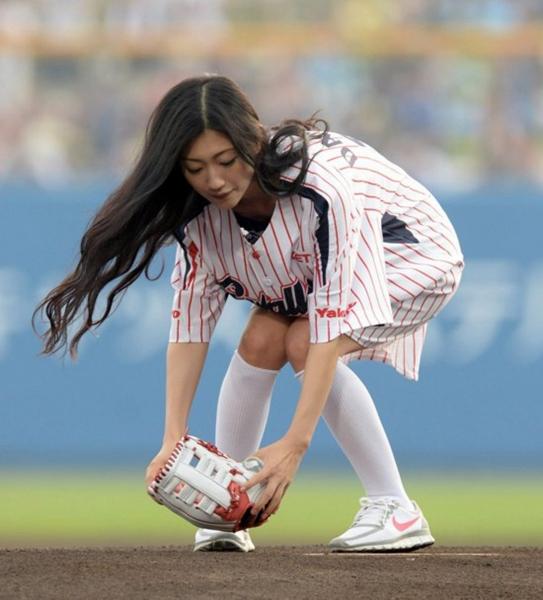 日本男性眼中的美胸女性 AKB48小嶋阳菜柏木