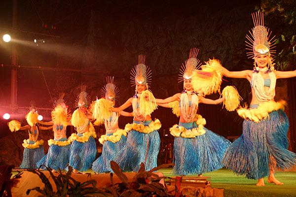 福岛县·Spa Resort Hawaiians温泉度假村上演的夏威夷风情歌舞