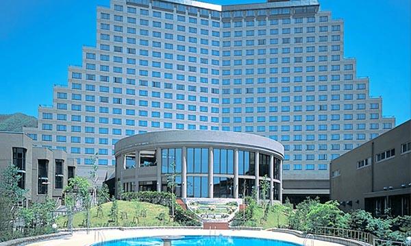 """高级酒店""""Wing Tower"""""""