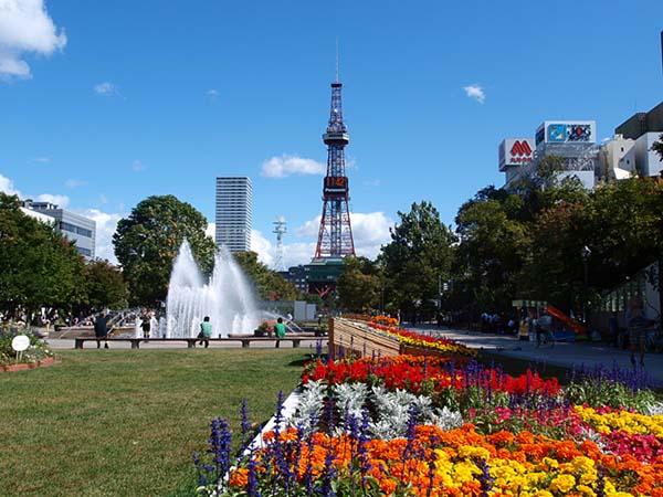 【日本旅游】北海道旅游景点:札幌大通公园&札幌电视塔