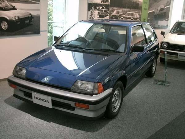第3代:1983-1987年    第三代本田思域为本田公司首次获得了日本汽车
