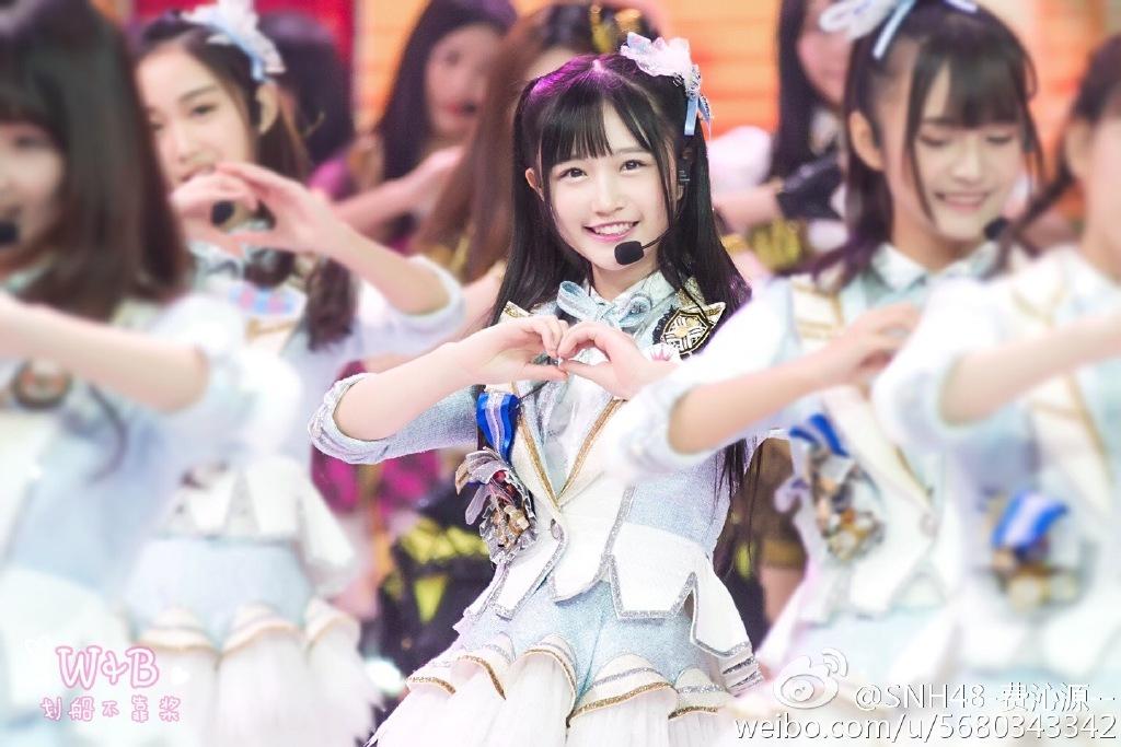 SNH48费沁源走红日本酷似渡边麻友的左右开40万车女生适合图片
