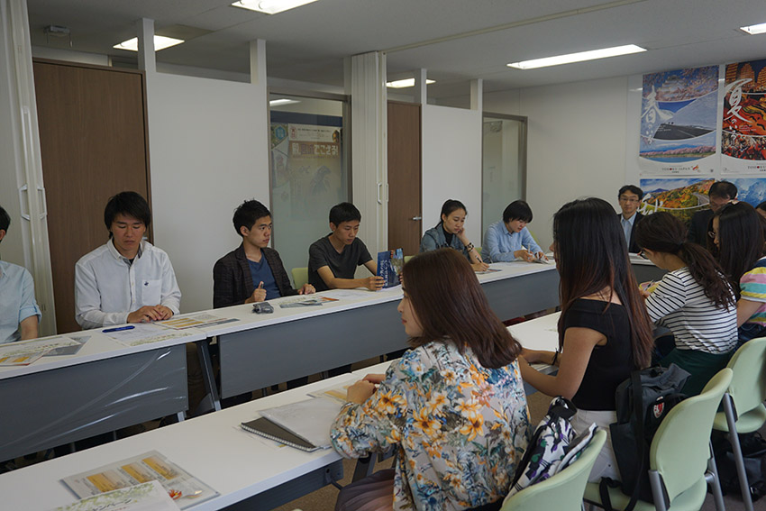 考察团参观日本东北观光推进机构