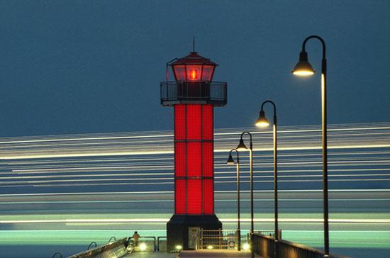 香川县的赤灯塔夜景(资料图)