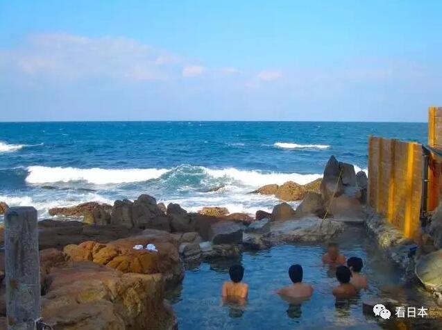 白滨温泉靠近海边,是日本三大古泉之一.
