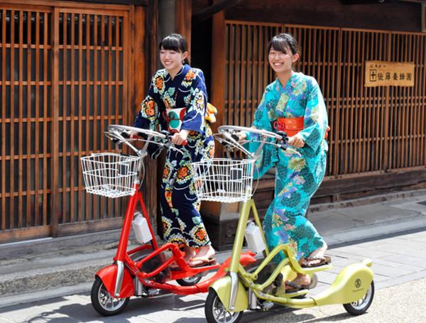 穿和服也能骑车?日本岐阜推出可站立骑行的电动车租赁服务