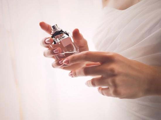 日本香水排行_2020日本女生最爱香水排行,第一名竟打败Chanel!
