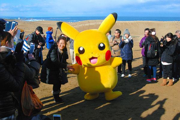 日本鸟取县举办口袋妖怪大型活动 吸引8万人参加