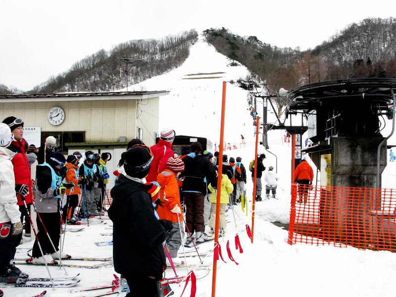 石川金泽市医王山滑雪场举办安全演习 22日开