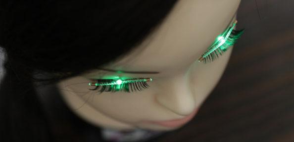 日本研发出会发光的假睫毛