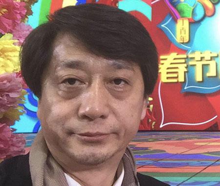 值此新春佳节到来之际,我谨代表全日本华人华侨总工会,共同祝愿我们伟大的祖国繁荣昌盛,人民幸福安康,也祝愿人民网的朋友们身体健康、阖家幸福、万事如意。