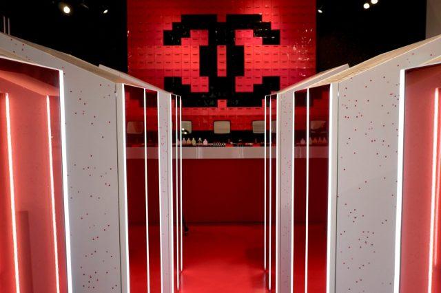 用抓娃娃机抓口红?CHANEL在东京开设首家游戏中心