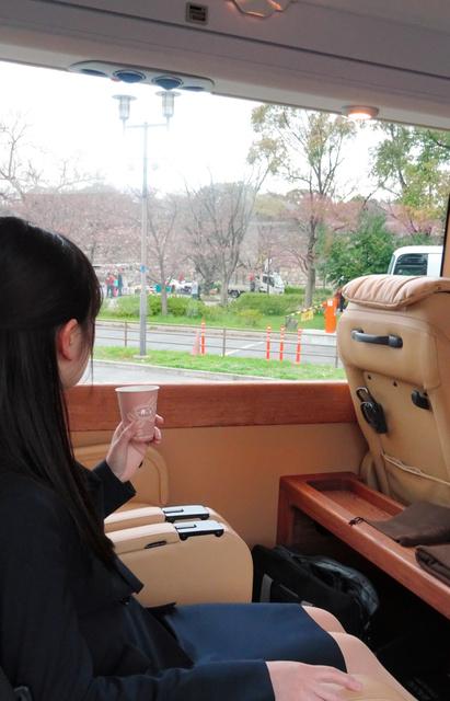 日本关西豪华巴士游崛起 高端大气定位银发族