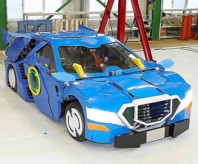 """日本开发出现实版""""变形金刚"""" 汽车1"""