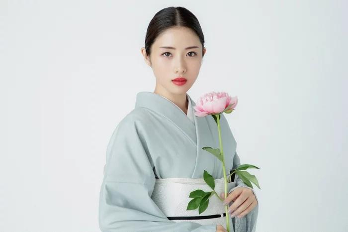 """石原里美新剧《高岭之花》7月开播 陷入""""美女与野兽""""之恋"""