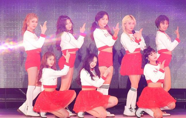 韩国美女组合MOMOLAND参加日本大型时尚音乐活动