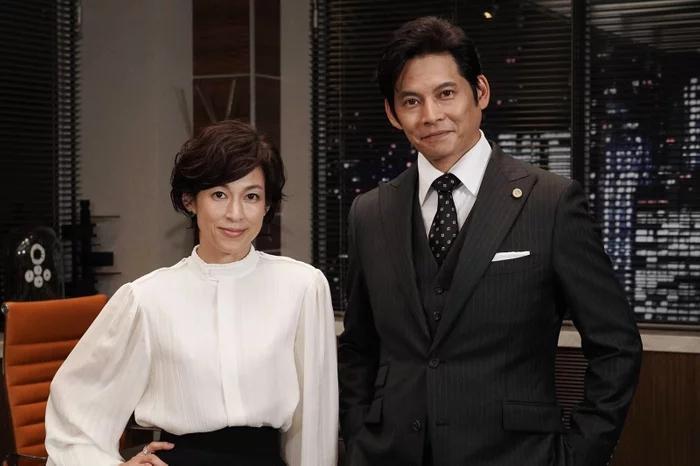 日版《金装律师》开播收视不俗 织田裕二与铃木保奈美时