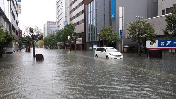 日本九州北部迎来强降雨 福冈、佐贺、长崎发布灾害警报