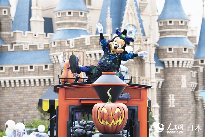 """东京迪士尼乐园推出""""幽灵版东京迪士尼乐园""""主题活动"""