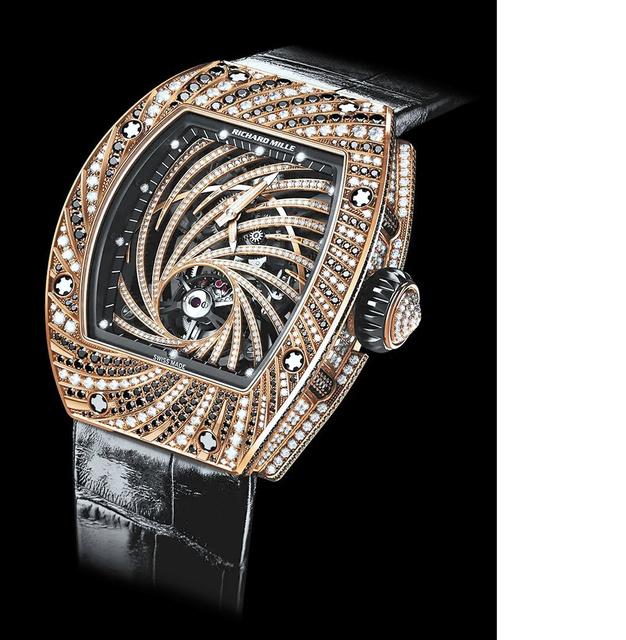 一日本男性在巴黎被抢走价值600万元的全球限量手表