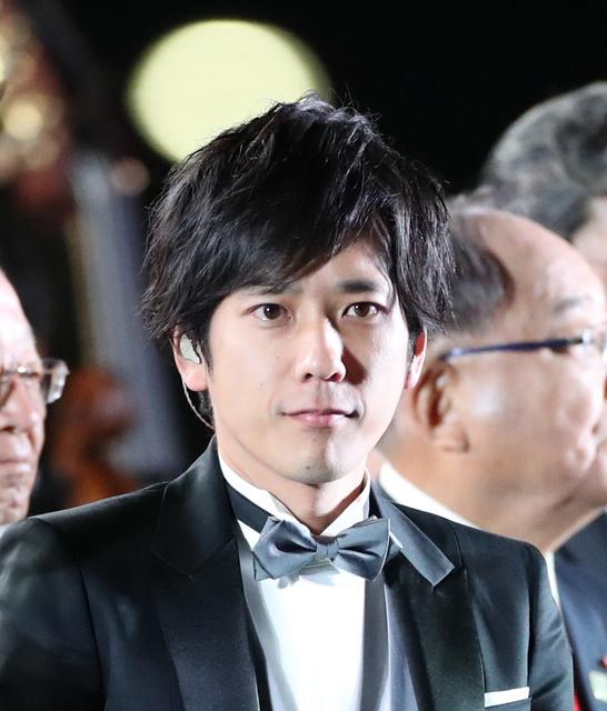 """""""岚""""成员二宫和也宣布结婚和""""一位交往很久的人"""""""