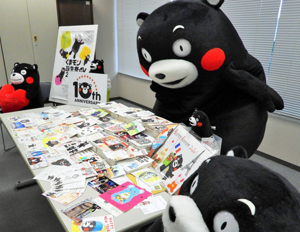 日本人气吉祥物熊本熊新年收到5958张贺年片将一一回信