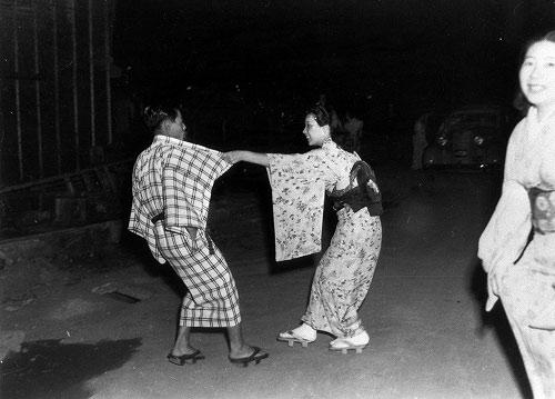 看二战后日本取缔组图业(色情)(3)母在线视频大色图片
