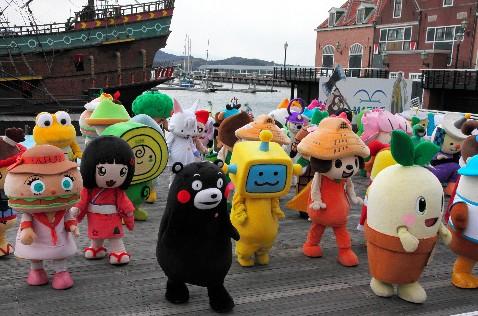 日本141个吉祥物齐跳胡须舞