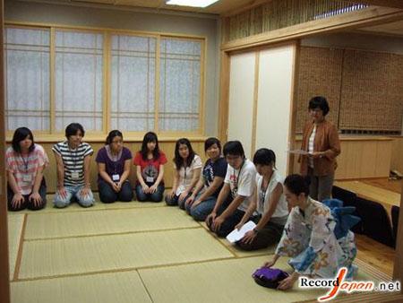 日本著名女子大学渐显复苏气象