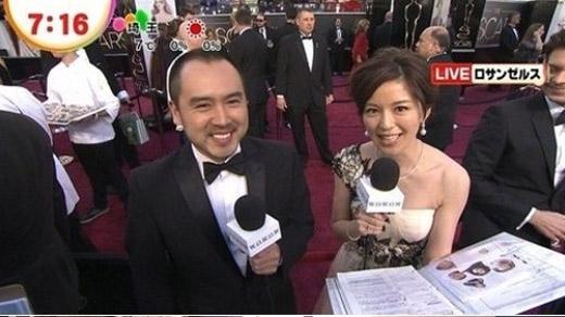 奥斯卡/中野美奈子在奥斯卡红毯负责为日本观众做现场报道画面