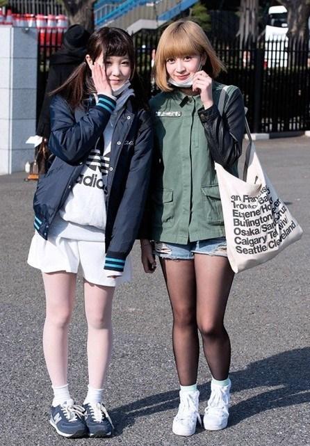 帅哥街头潮人秀日本房间美女秀美腿(图)脱身强吻和养眼夏日美女在图片